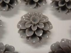 Kabošon květ chyrazantéma 20/12 ŠEDÁ, bal. 2ks