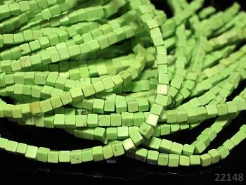 Přírodní TYRKYS limetkově zelený, kostičky 4x4mm, bal. 15ks