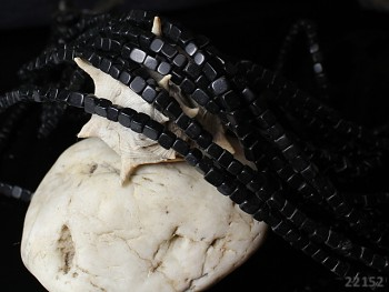 ČERNÝ ACHÁT onyx kostičky 4mm přírodní minerál