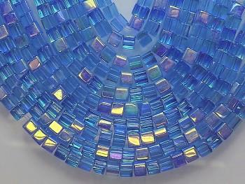 Korálky sklo kostičky 4/4 AB sv.modré, bal. 15ks