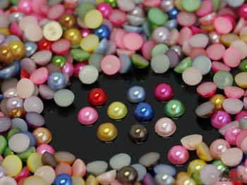 Kabošonky perleťové 6mm MIX, bal. 2g