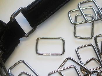 Kovový průvlek na kabelky 30mm, 1ks