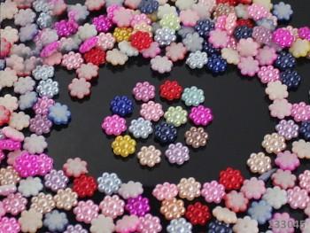 Kabošonky perleťové kytičky 10mm MIX, bal. 10ks