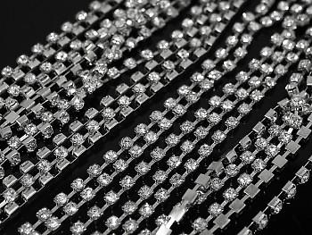 Borta s kamínky 3mm v kovovém lůžku STŘÍBRNÁ