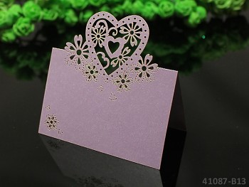 SVĚTLE FIALOVÉ luxusní PERLEŤOVÉ svatební jmenovky ke stolu SVĚTLE FIALOVÉ srdce