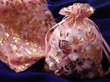 Organza pytlík 16x13cm RŮŽOVÝ s květy
